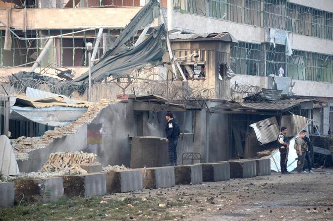 Al menos 5 muertos y más de 120 heridos en ataque Talibán al consulado Alemán en Afganistán