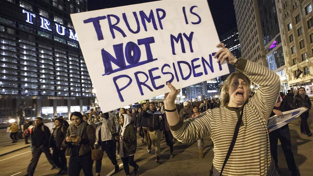 Not my president', el lema del rechazo hacia el nuevo gobierno de Donald Trump.