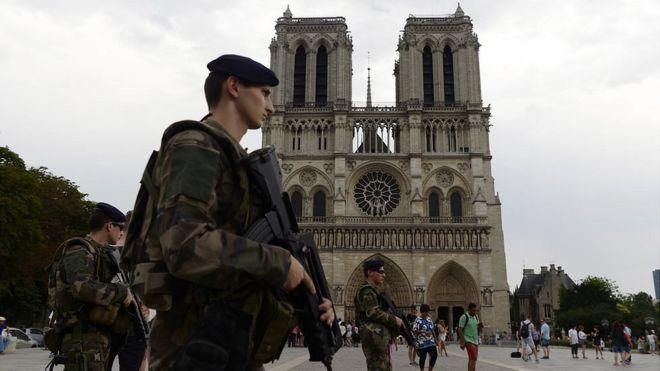 ¿Qué es el Estado de emergencia y por qué Francia lo mantiene?