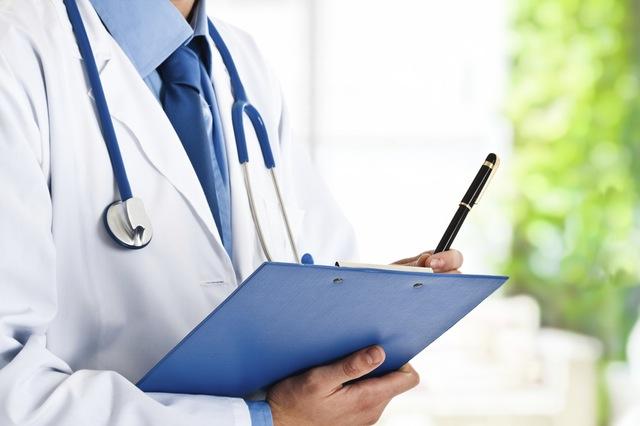 Aumenta número de médicos