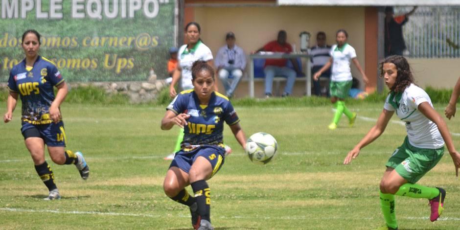 Carneras visitaron el 12 de octubre a Grupo 7 en el fútbol femenino