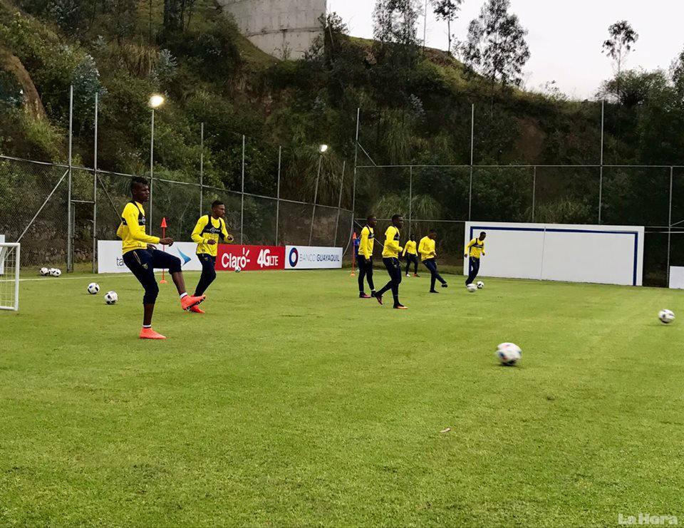 Seis futbolistas descartados de la 'TRI'