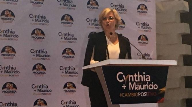 Cynthia Viteri presenta plan de recuperación económica