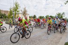 Más de 360 personas pedalean en el Día de la Bicicleta