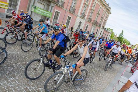 Más de 350 personas pedalearon en el Circuito Actívate MTB 2014