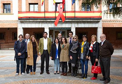 Las Rozas muestra su solidaridad con los afectados por la enfermedad del Sida