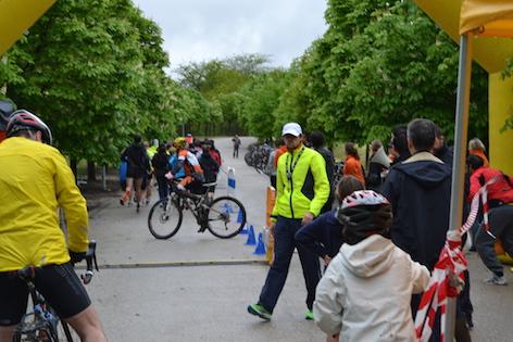 Decenas de ciclistas recorrieron el Parque Forestal Adolfo Suárez