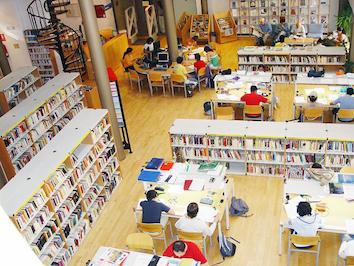 Villaviciosa amplía el horario de la biblioteca Luis de Góngora por exámenes