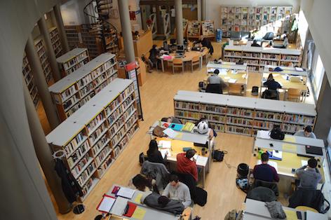 Se amplía el horario de la biblioteca Luis de Góngora por los exámenes