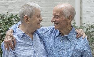 ESTA PAREJA GAY HA ESTADO JUNTA DESDE ANTES DE QUE LA HOMOSEXUALIDAD FUERA DESPENALIZADA