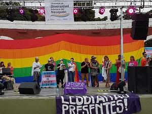Una multitud marchó en la ciudad por el orgullo gay