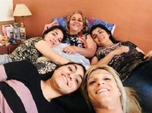 """""""Mi hijo es trans"""": El desafío de los padres de acompañarlos durante un difícil recorrido"""