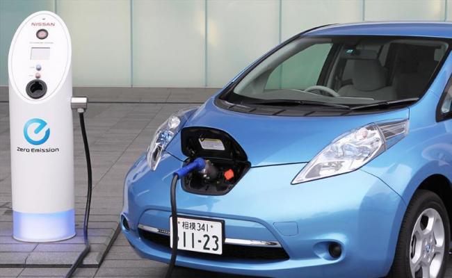 Los autos eléctricos harán bajar el precio del petroleo