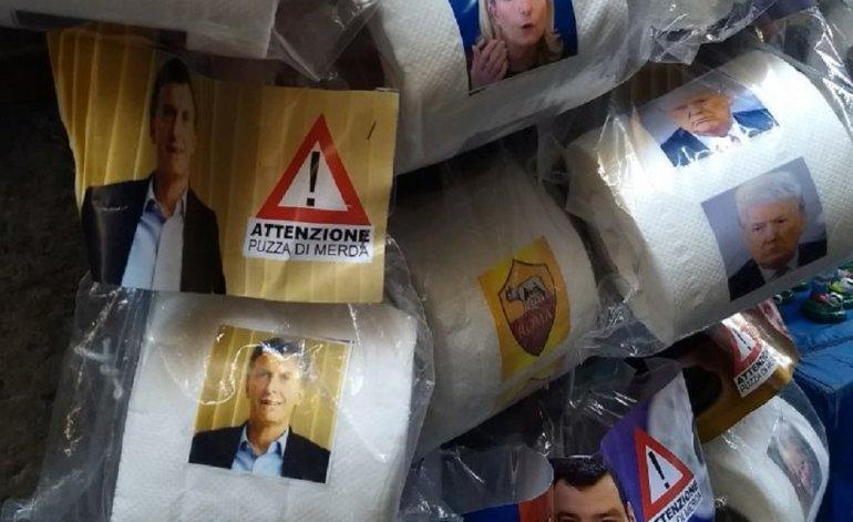 Nápoles: venden rollos de papel higiénico con la cara de Macri