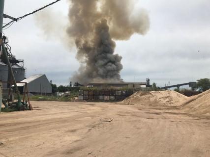 Un obrero muerto y varios heridos tras la explosión en la planta de la ex Nidera