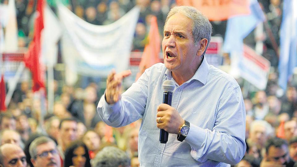 """El Gobierno anuló la """"cuota solidaria"""" de La Bancaria. Otro tiro contra los gremios"""