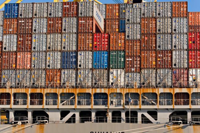 Se mantiene el crecimiento en el PIB gracias a la ralentización en las importaciones.