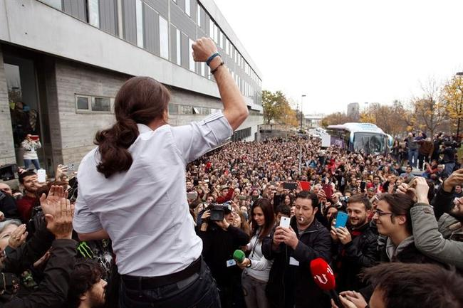 Diez imágenes para convencer a alguien de Podemos