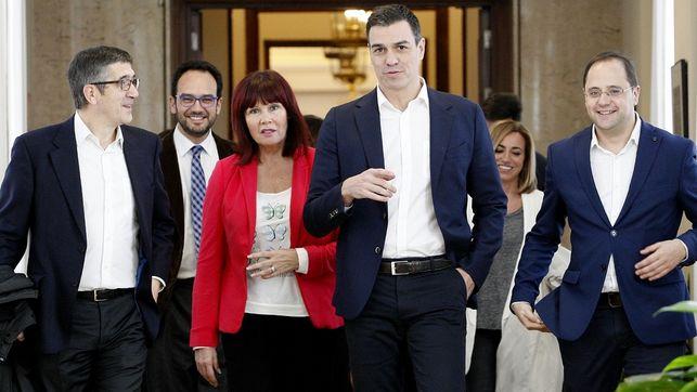 El PSOE mantendrá el no a Rajoy aunque C
