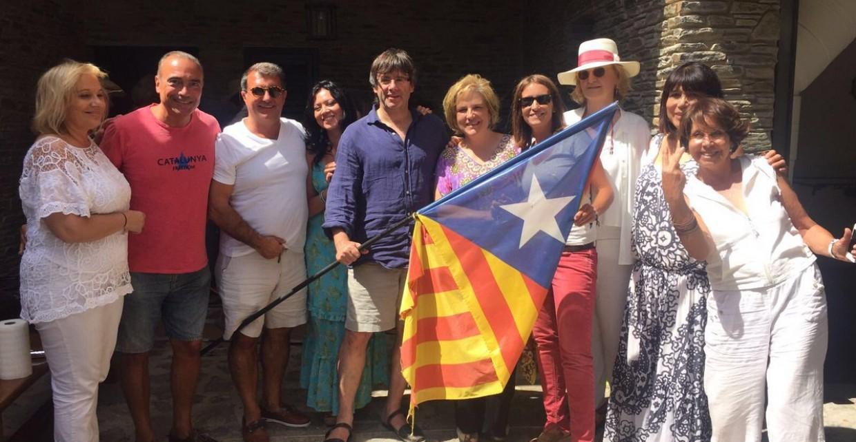 La fiesta de Puigdemont irrita al entorno de Mas y al PDC