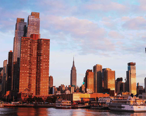 Comienza a atardecer sobre Manhattan