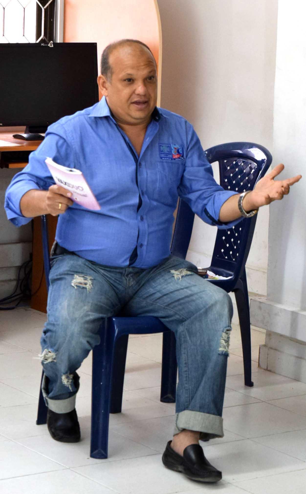 El periodista deportivo Emiro Ochoa visita la CUN Regional Magdalena