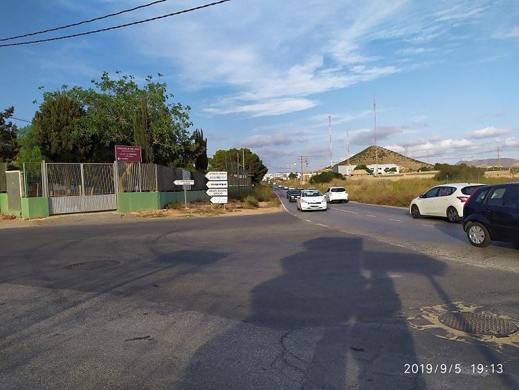 Vuelta al cole y a arriesgar tu vida, Colegio Público La Asomada, Cartagena, casi 50 años sin paso de peatones