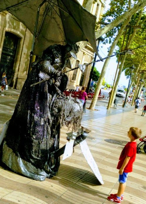 Los lunes al Sol, paseillos con mensaje de Norte a Sur, Cartagena y Barcelona