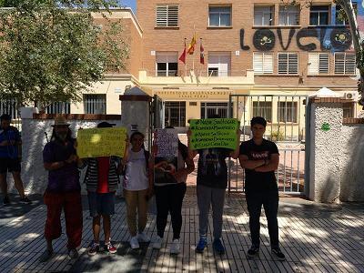 Los lunes de paseíllo y en apoyo desde Cartagena con Acampadaxderechos