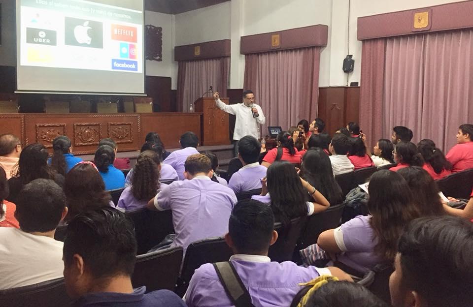 Conferencias impartidas por el 35° aniversario de la Escuela de Ciencias de la Comunicación