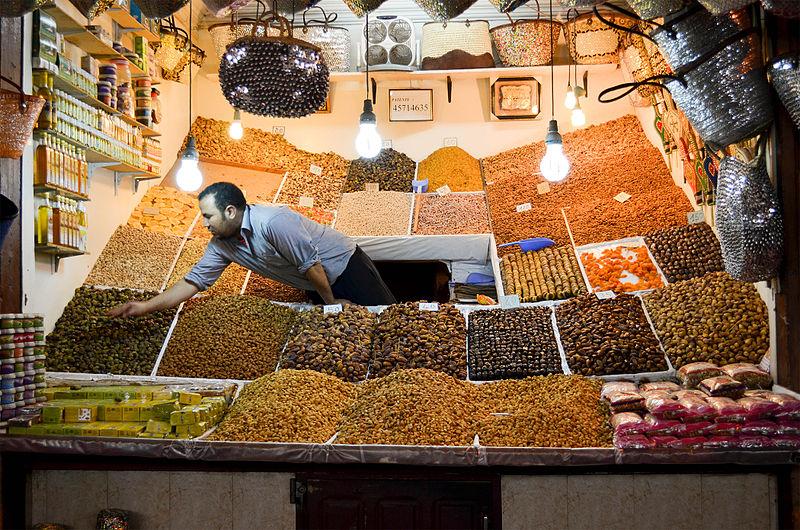 Las autoridades obligan a mostrar los precios de los souvenirs en los locales de los zocos