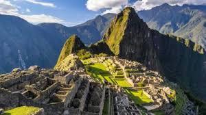 Seis turistas la cagan en Machu Picchu
