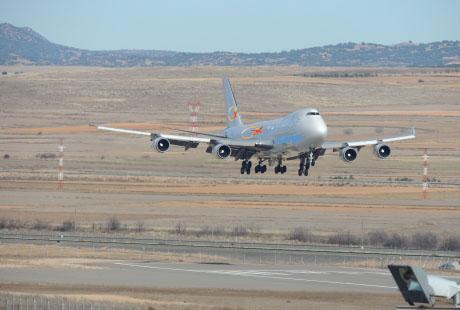 PeninsulyFly Cargo aterriza en Teruel