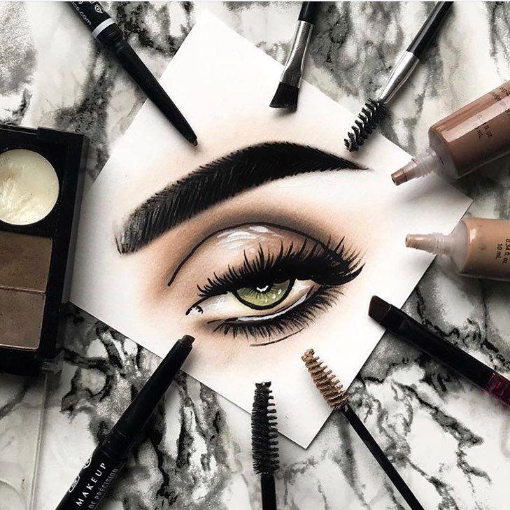 El maquillaje resistente al agua, ¿es perjudicial para los ojos?