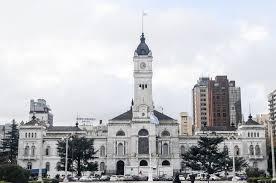 Organizaciones políticas y sociales intentaron tomar el Palacio Municipal de La Plata
