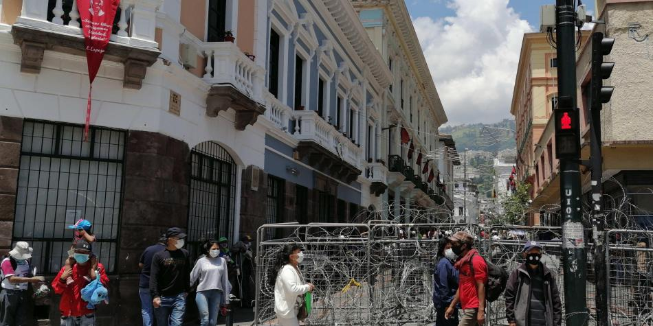 Niñas colombianas engañadas por redes acabaron deambulando en Quito