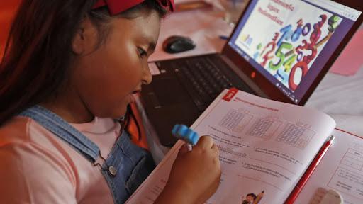 La escuela resiste pese al aumento de las aulas confinadas: un 126% más en un mes