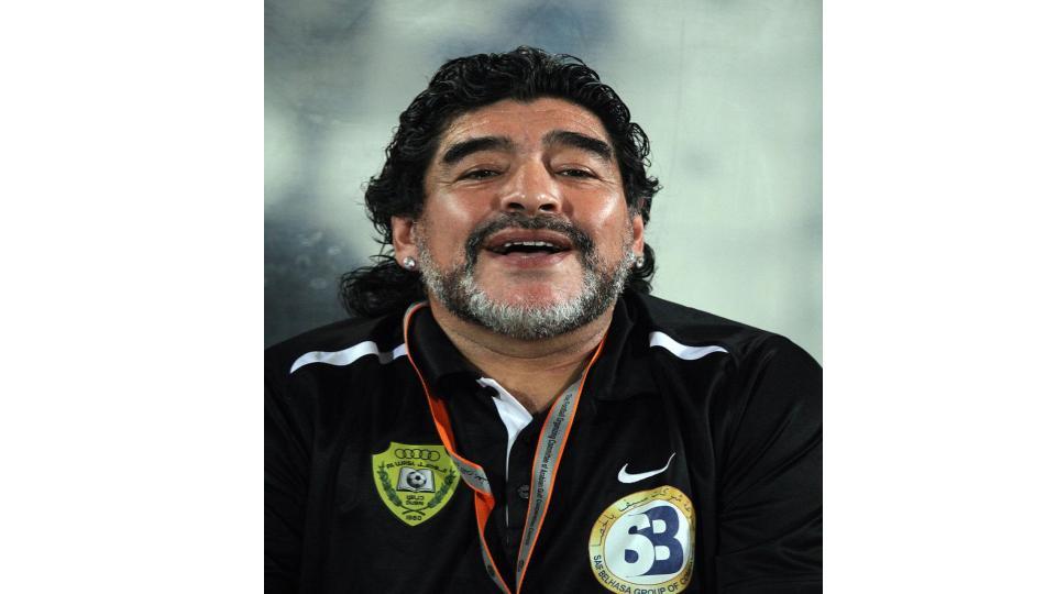 Diego Maradona fue aislado por contacto con persona que dio positivo por coronavirus