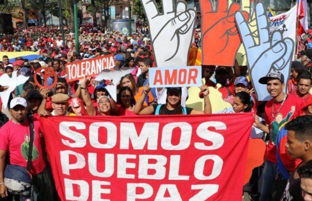 TEORIA SOCIAL: Los Movimientos  han generado una variedad de enfoques y son diversas esperanzadoras las enseñanzas.