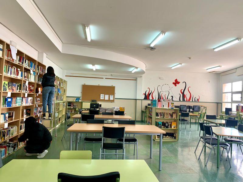 La biblioteca del instituto IES Duque de Alarcón cobra vida.