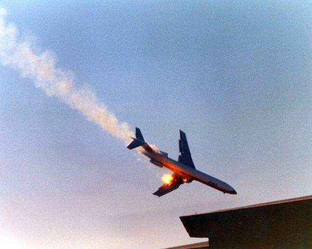 IMPORTANTE: Avión se estrella con escuela en Nueva York.