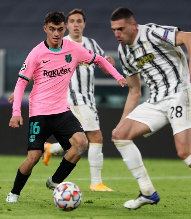 Debut de Pedri en el partido de la champions league  en la temporada  2020/2021