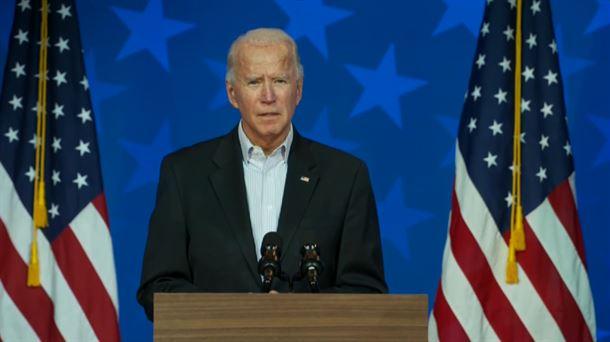 Biden anuncia su comité contra la COVID-19 y pide a la población que use mascarilla