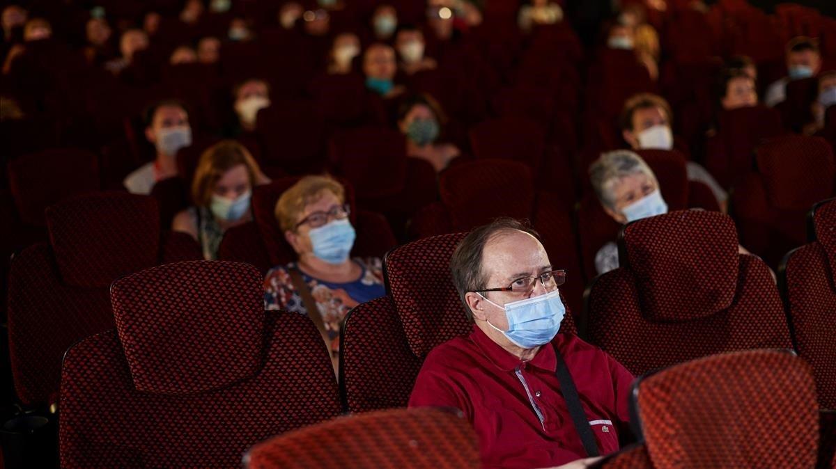Rentar cines: la búsqueda de cadenas de salas cinematográficas para evitar la ruina