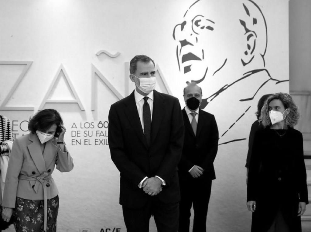 AZAÑA VUELVE A MADRID CON EL REY
