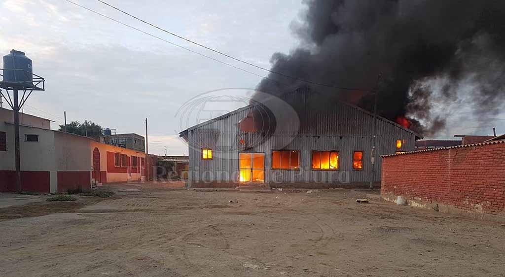 Antiguo hospital en talara se destruye por incendio