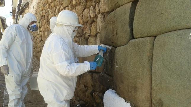 Muro Prehispánico es dañado por desconocidos en Cusco