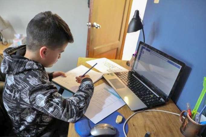 Educación virtual sigue causando inconvenientes