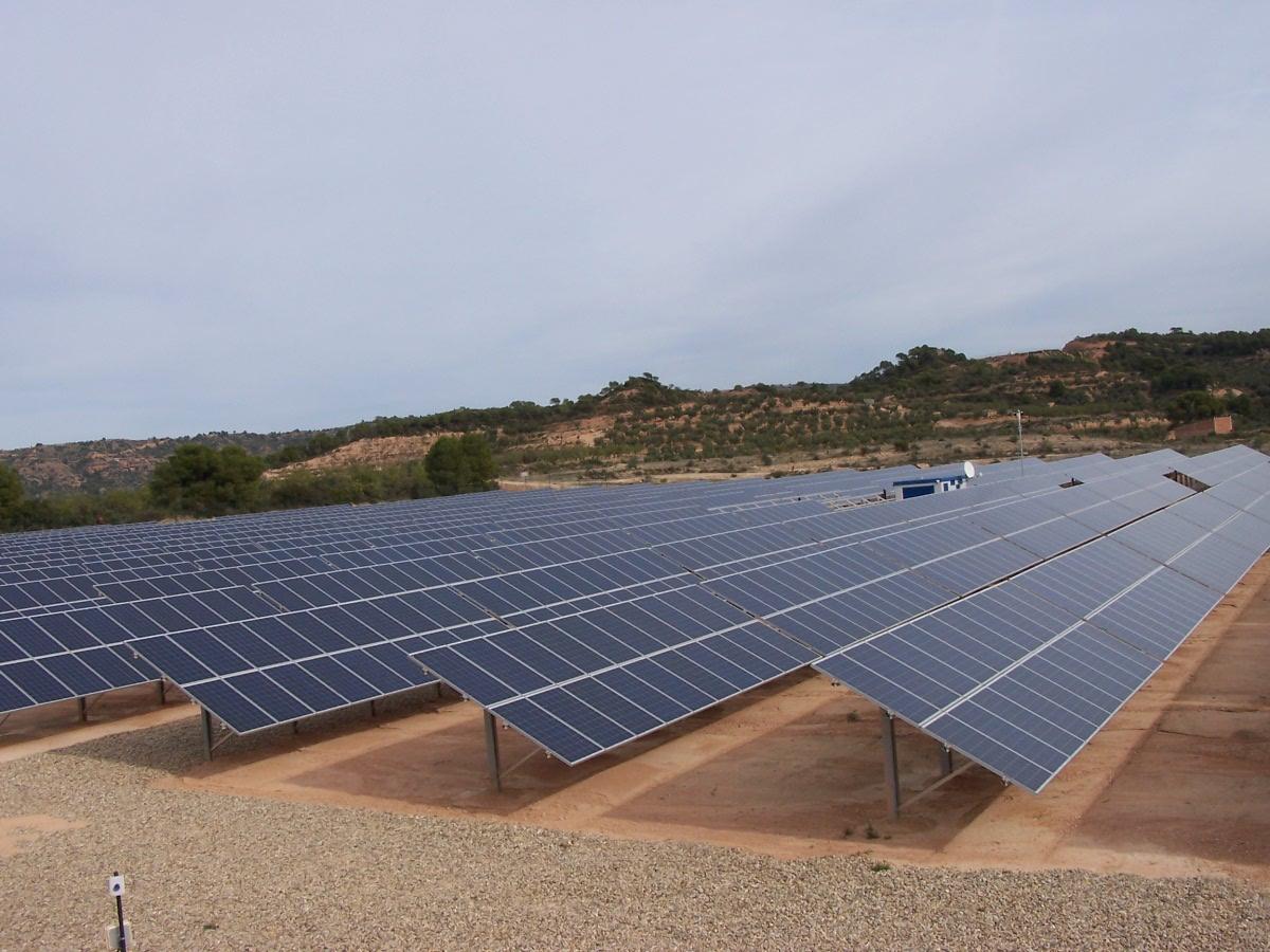 Naturgy invertirá  más de 275 M€ para establecer en el Ayto. de Cuadros dos plantas solares.