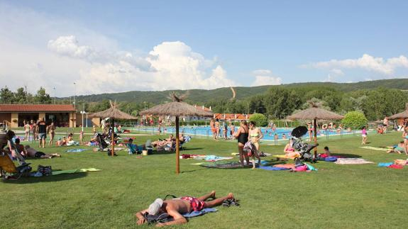 Comienza la temporada de piscinas y actividades en el agua, vuelve la diversión a las piscinas del Ayto de Cuadros.